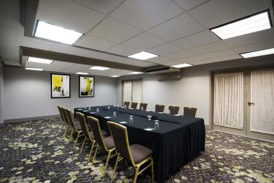 Holiday Inn Mansfield-Foxboro Area - Laterooms