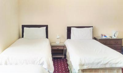 George Guest House - Laterooms