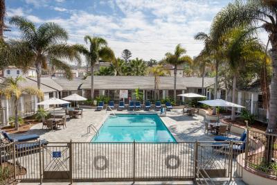 Holiday Inn Express LA JOLLA - Laterooms