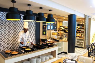 Holiday Inn PARIS - CH. DE GAULLE AIRPORT - Laterooms