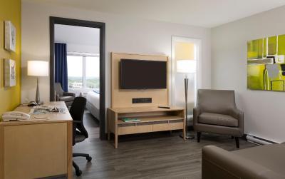 Holiday Inn Express QUEBEC CITY (SAINTE-FOY) - Laterooms