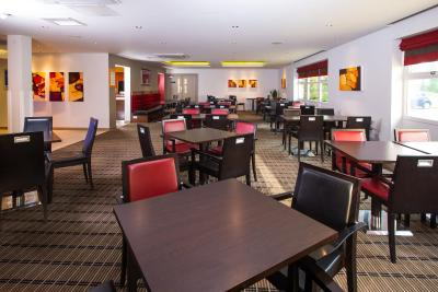 Holiday Inn Express EAST MIDLANDS AIRPORT - Laterooms