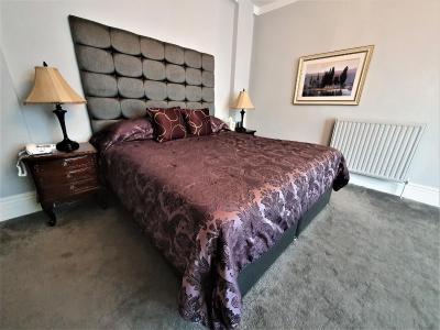 Nuthurst Grange Hotel - Laterooms
