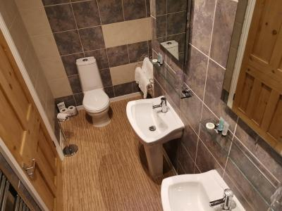 White Rose Guest House - Laterooms