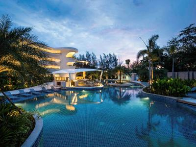 Novotel Phuket Karon Beach Resort And Spa - Laterooms