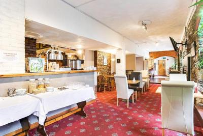 Yardley Manor Hotel - Laterooms