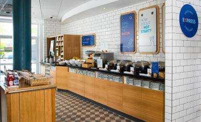 Holiday Inn Express BURTON UPON TRENT - Laterooms