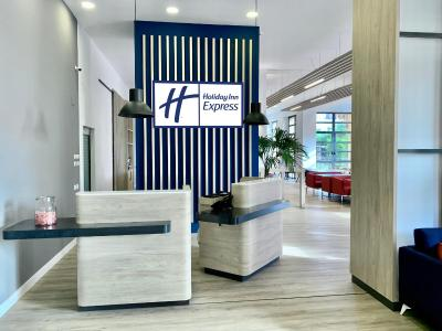 Holiday Inn Express Valencia-Ciudad De Las Ciencias - Laterooms