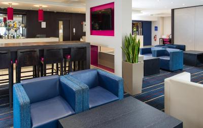 Holiday Inn Express LONDON - WANDSWORTH - Laterooms