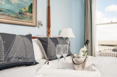 Royal Harbour Hotel - Laterooms