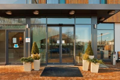 Holiday Inn Express CAMBRIDGE-DUXFORD M11, JCT.10 - Laterooms