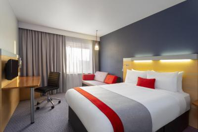 Holiday Inn Express REDDITCH - Laterooms