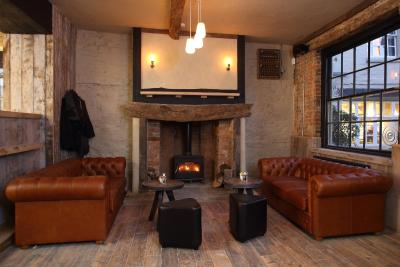 the crown and thistle - Laterooms