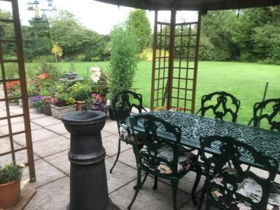 Woundales Farmhouse Bed and Breakfast - Laterooms