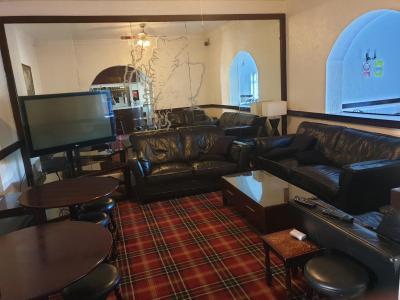 Elmhurst Hotel - Laterooms