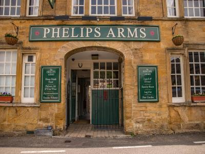 The Phelips Arms - Laterooms