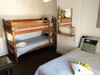 Westbourne House - Laterooms