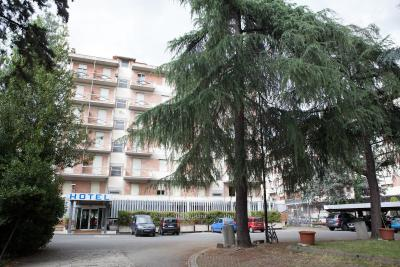 Auto Park Hotel - Laterooms