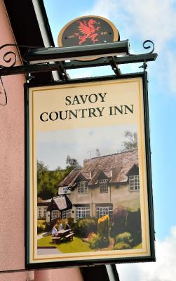 The Savoy Country Inn - Laterooms