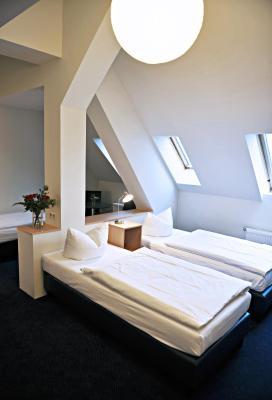 Hotel Transit Loft - Laterooms