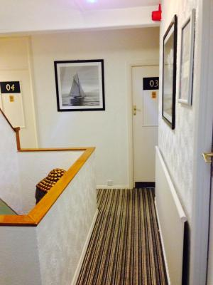 Clifton Court Hotel - Laterooms