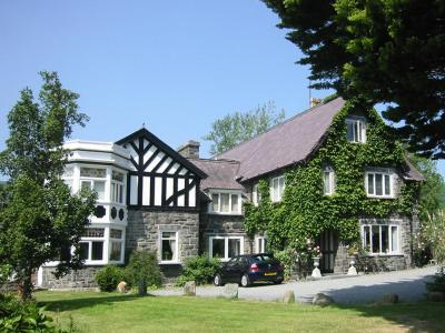 Gwern Borter Manor - Laterooms