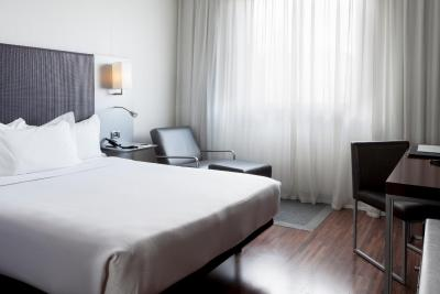 AC Hotel Coslada Aeropuerto By Marriott - Laterooms