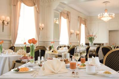Althoff Grandhotel Schloss Bensberg - Laterooms