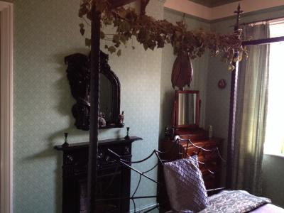 BATS AND BROOMSTICKS - Laterooms
