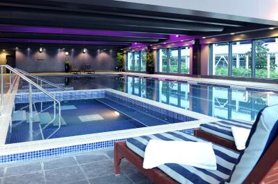 Village Hotel Farnborough - Laterooms