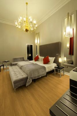 The Queens Gate Hotel - Laterooms