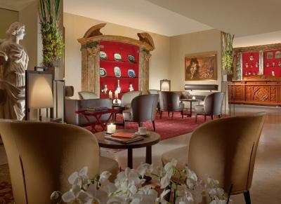 Raphael Luxury Hotel - Laterooms