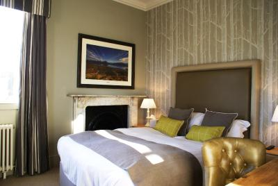 Hall Farm Hotel and Restaurant - Laterooms