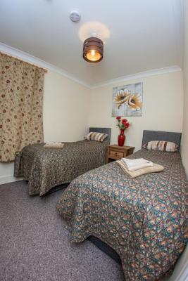 Riverside Hotel Bed and Breakfast - Laterooms