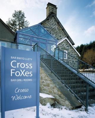 Cross Foxes - Bar Grill Rooms - Laterooms