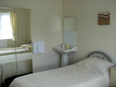The Curzon Hotel - Laterooms