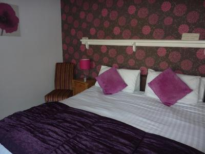 Pebbles B&B; Guest House - Laterooms