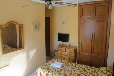Hostal Cristina - Laterooms