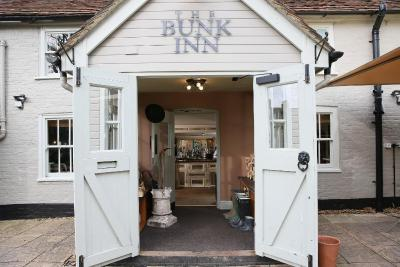 The Bunk Inn - Laterooms