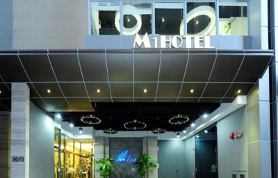 M1 Hotel - Laterooms