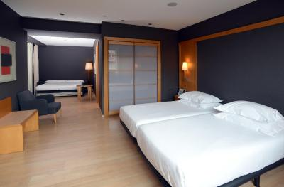 Hotel Barcelona Universal - Laterooms