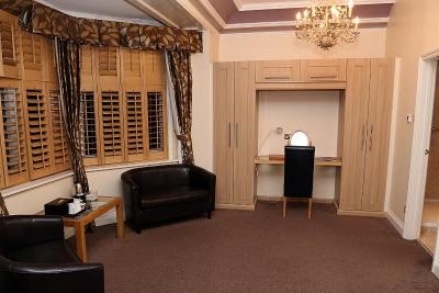 Maes Manor Country Hotel - Laterooms