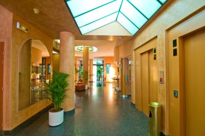 Opera Cadet Hotel - Laterooms
