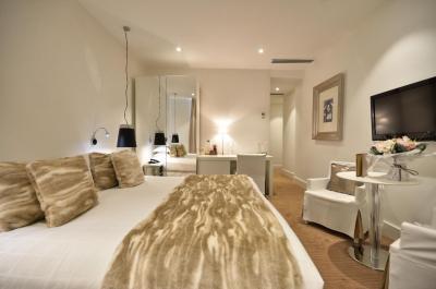 Renoir Hotel - Laterooms