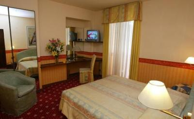 Hotel Due Mondi - Laterooms