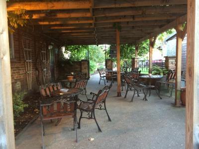 Half Moon Hotel & Restaurant - Laterooms