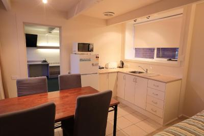 Absolute Lakes Entrance Motel - Laterooms