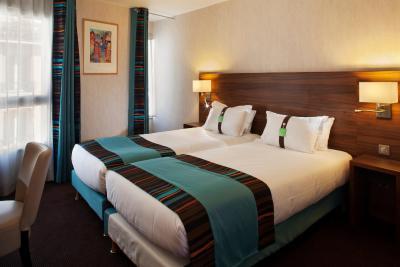 Holiday Inn PARIS - MONTMARTRE - Laterooms