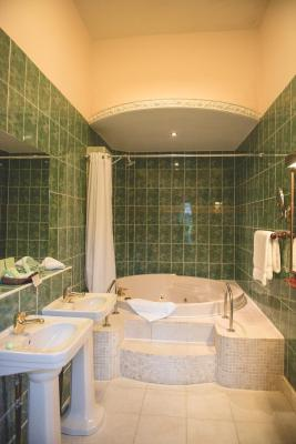Tre-Ysgawen Hall, Country House Hotel & Spa - Laterooms
