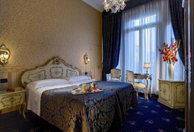 Best Western Hotel Montecarlo - Laterooms